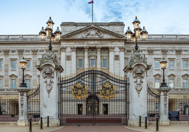 buckingham palace gold vault